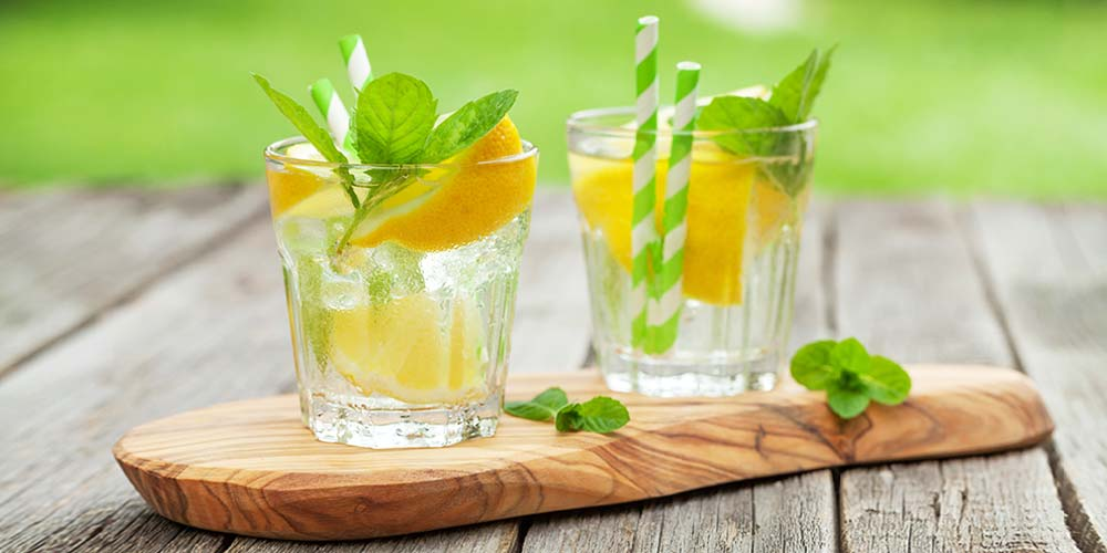 This image has an empty alt attribute; its file name is garden-cocktail-2.jpg